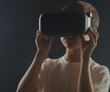 Di Balik Teknologi VR